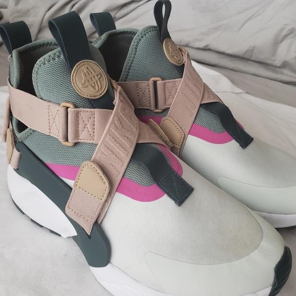 best service fd7c4 14214 New Women s Nike Air Huarache City Running Shoes